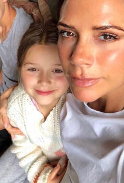 Victoria and Harper Beckham (Credit: Instagram)