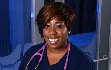 Chizzy Akudolu as Mo Effanga in Holby City (Credit: BBC)