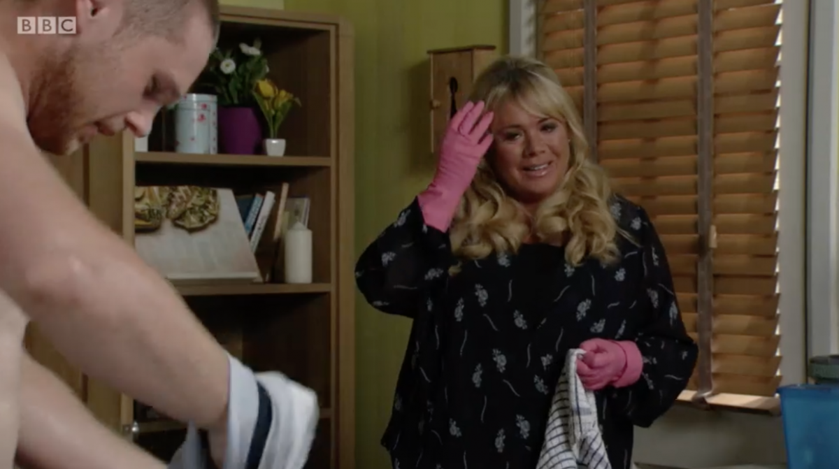"""How To Unblock Kitchen Sink >> EastEnders fans in hysterics as Sharon and Keanu """"recreate Mrs Robinson""""   Entertainment Daily"""
