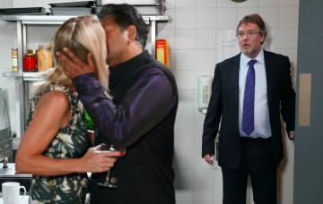 EastEnders SPOILER: Ian Beale sickened by his mum kissing Masood
