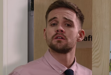 Coronation Street fans demand to know where missing Ali Neeson is