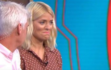 Holly Willoughby tries Guinness World Record