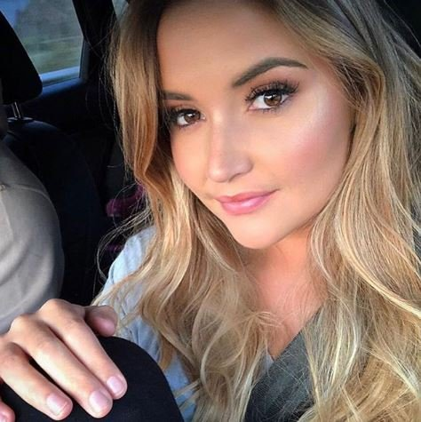 Jacqueline Jossa new blonde hair