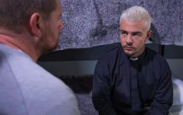 Joel to murder Pete Bchanan in prison in Hollyoaks?