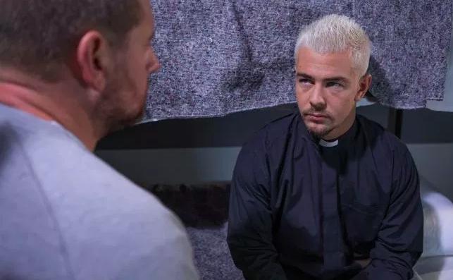 Hollyoaks SPOILER: Joel to MURDER paedo Pete in prison?