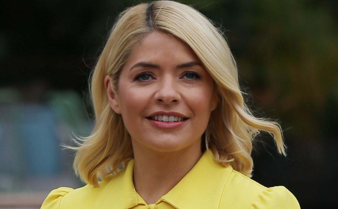 Holly Willoughby wows in hot pants
