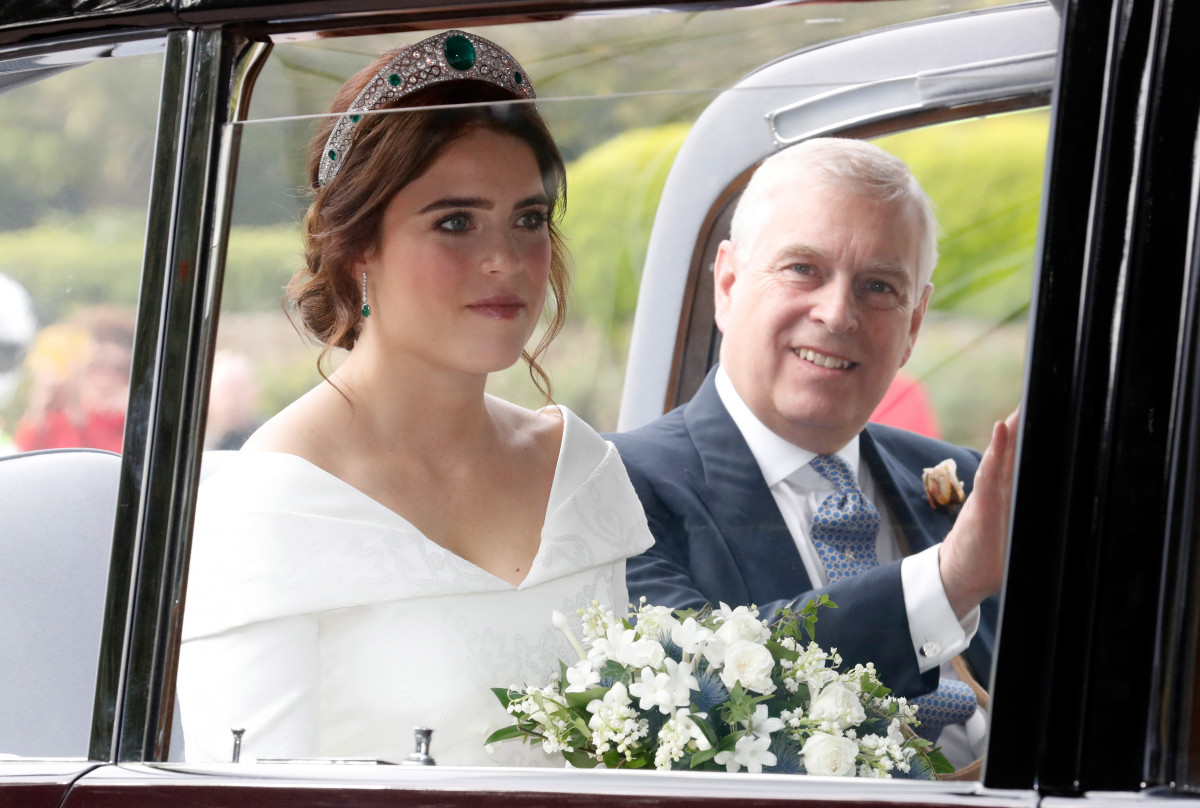 The bride Princess Eugenie of York with her father Prince Andrew, Duke of York arrives by car for her Royal wedding to Mr. Jack Brooksbank at St. George's Chapel on October 12, 2018 in Windsor, England. (Photo by Chris Jackson/Getty Images)