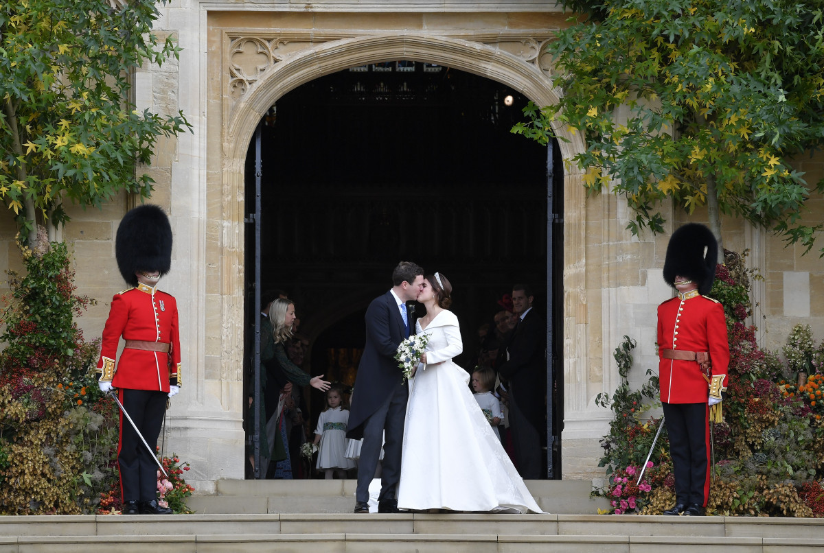 Jack Brooksbank and Princess Eugenie of York leave the wedding of Princess Eugenie of York to Jack Brooksbank at St. George's Chapel on October 12, 2018 in Windsor, England. (Photo by Toby Melville - WPA Pool/Getty Images)