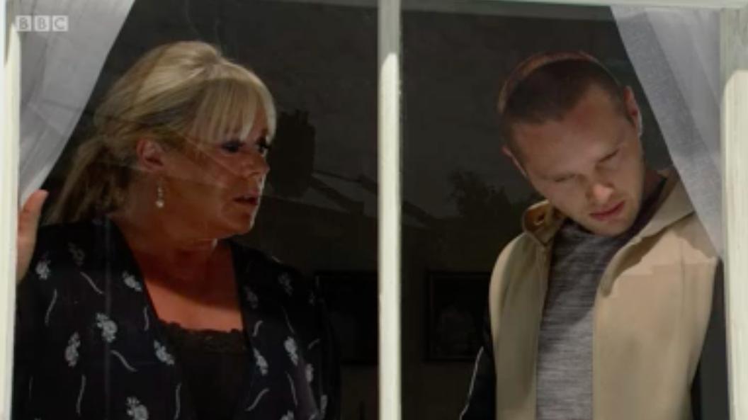 Sharon and Keanu discuss their blackmailer