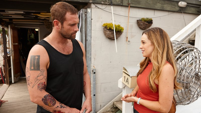 Tori and Robbo Home And Away