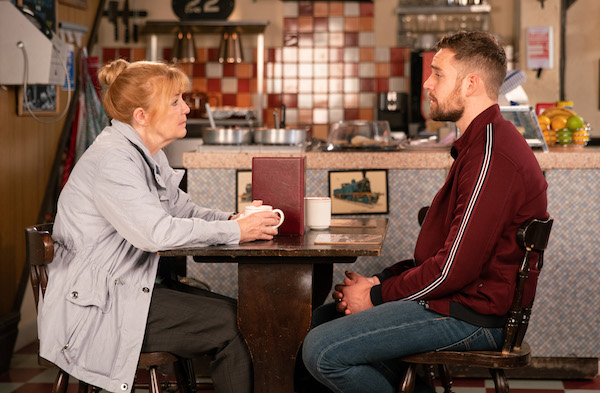 Corrie SPOILER: Ali confesses to killing Ronan?