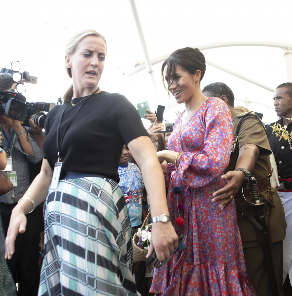 Meghan, Duchess of Sussex visits a market on October 24, 2018 in Suva, Fiji. The Duke and Duchess of Sussex are on their official 16-day Autumn tour visiting cities in Australia, Fiji, Tonga and New Zealand. (Photo by Ian Vogler - Pool/Getty Images)