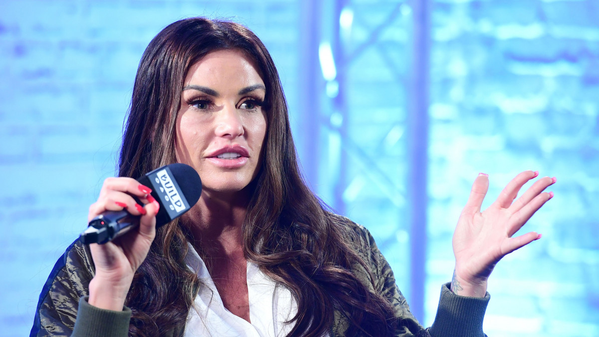 Katie Price 'begging' to reunite with toyboy Alex Adderson