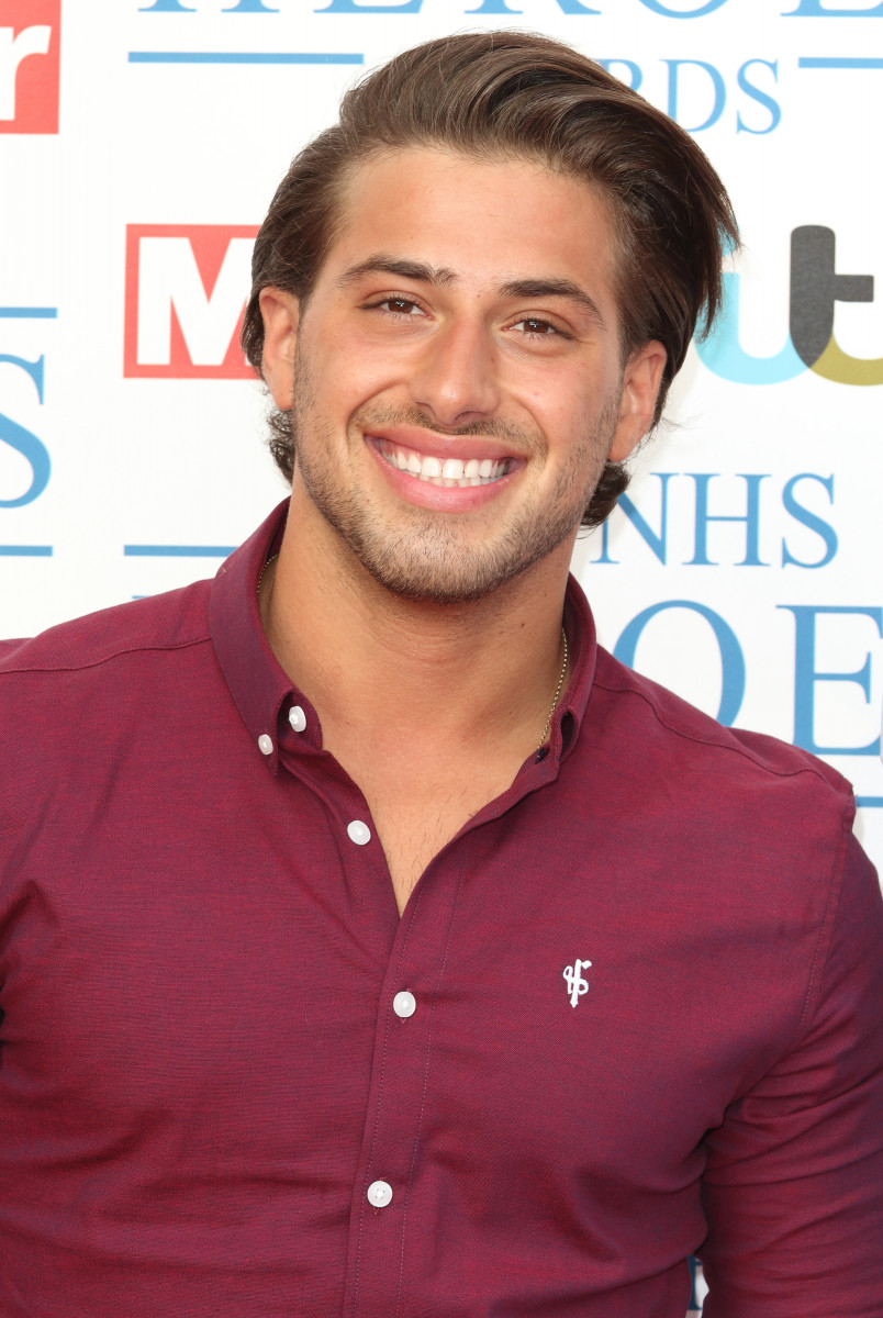 Kem Cetinay at the NHS Heroes Awards