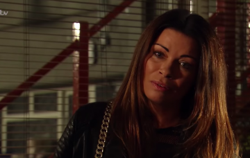 Coronation Street fans furious as Peter Barlow betrays Carla Connor