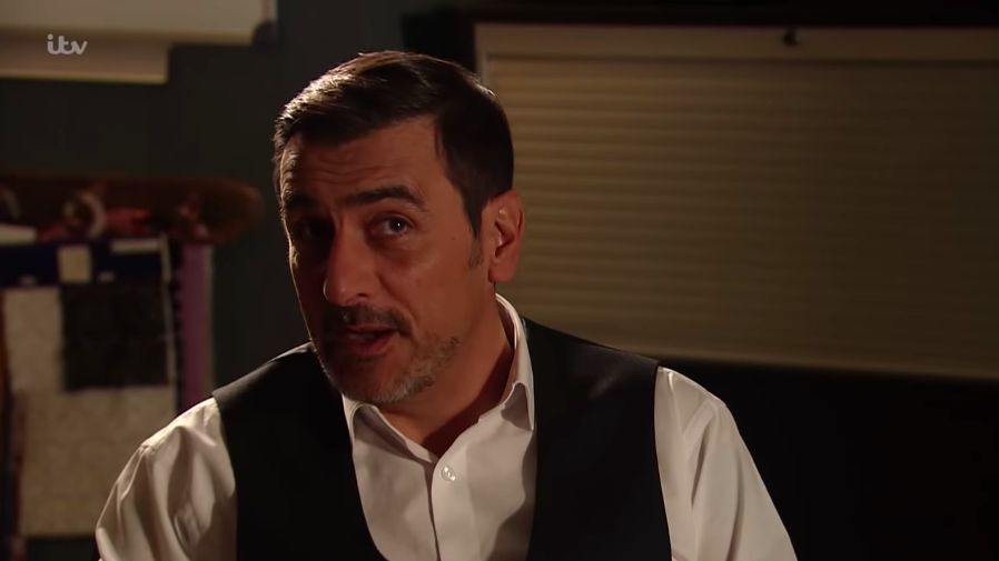 10 Facts about Coronation Street's Chris Gascoyne - the actor who plays Peter Barlow