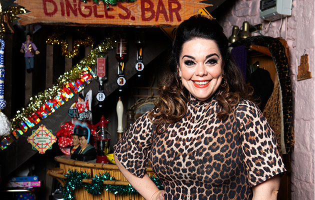 Emmerdale's Lisa Riley shares behind the scenes pic after first full 'Dingle Day'