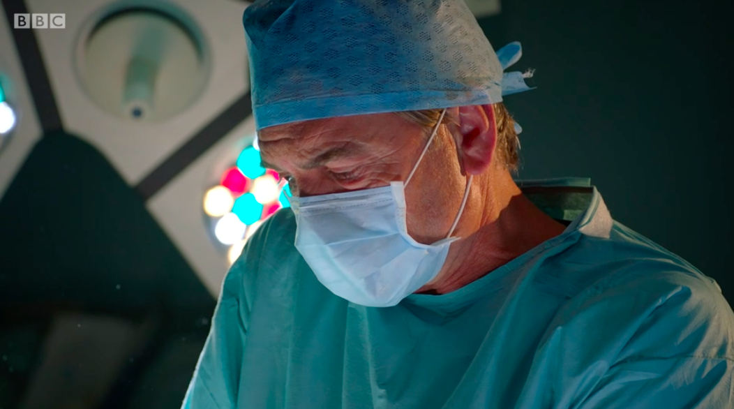 Guy Self returns to Holby to operate on Jac Naylor