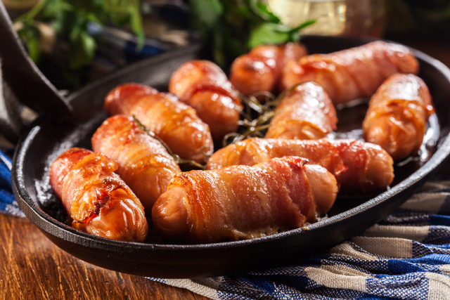Tesco invites customers to 'pig & mix' on NINE different varieties of pigs in blankets this Christmas