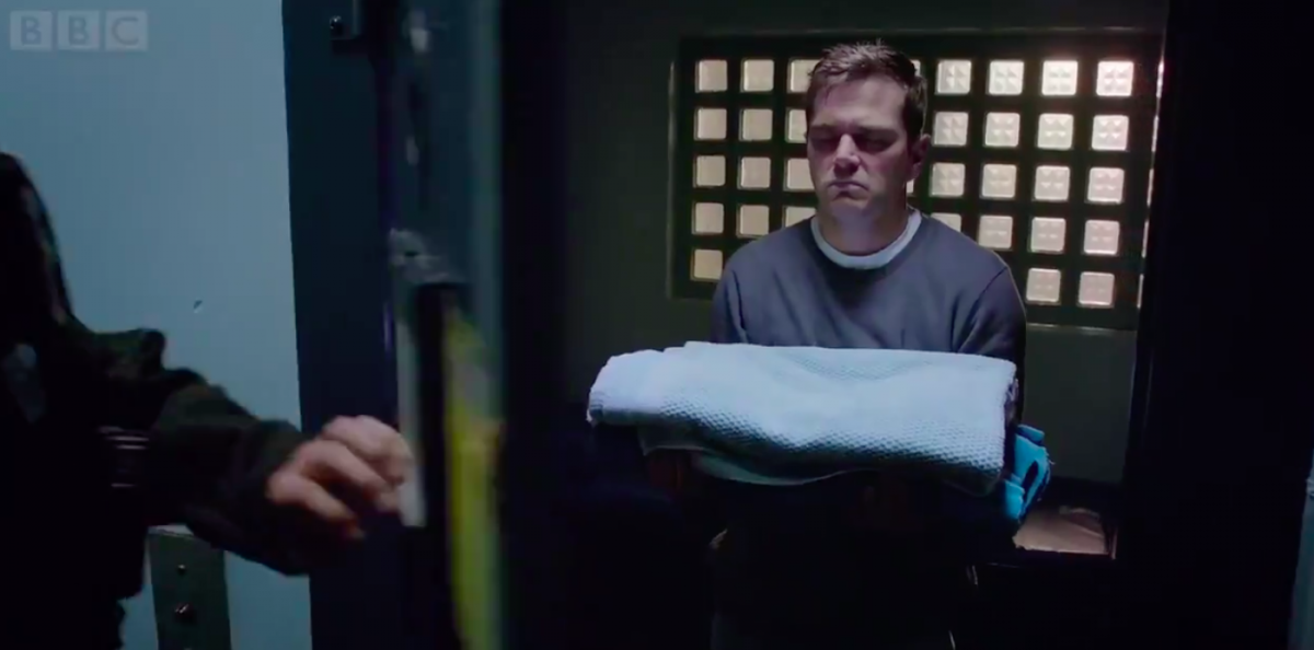 Iain in jail in Casualty
