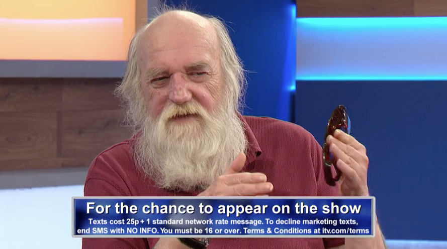 "Jeremy Kyle viewers stunned as ""Santa"" begs son for kidney and denies sleeping with Thai prostitutes"