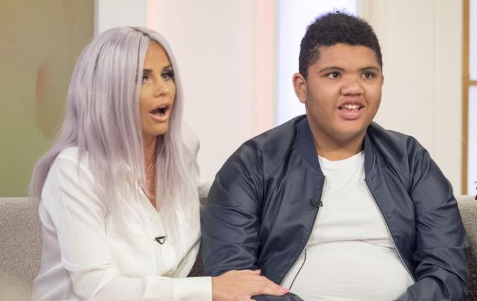 Katie Price's son Harvey melts hearts during manicure session