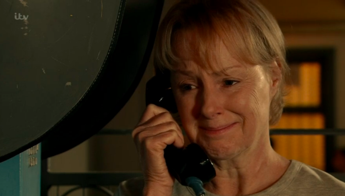 Coronation Street fans cheer as evil Gina is finally exposed