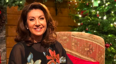 Mcdonalds Christmas Eve Hours.Tv Fave Jane Mcdonald Blasted For Ruining New Year S Eve
