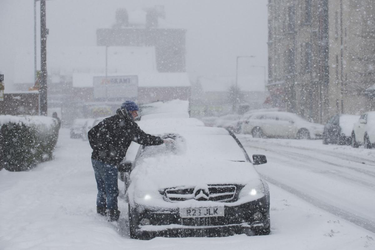 Snow already blanketing Britain before -11C deep freeze tonight