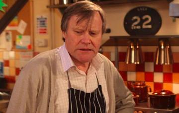 Coronation Street's Roy Cropper devastated after mum's death