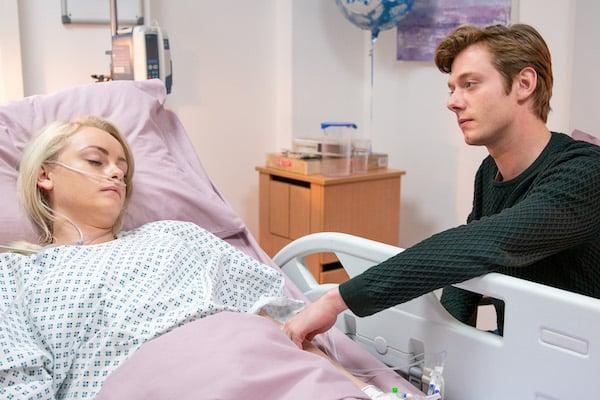 Coronation Street SPOILER: Daniel 'confesses affair on Sinead's death bed'