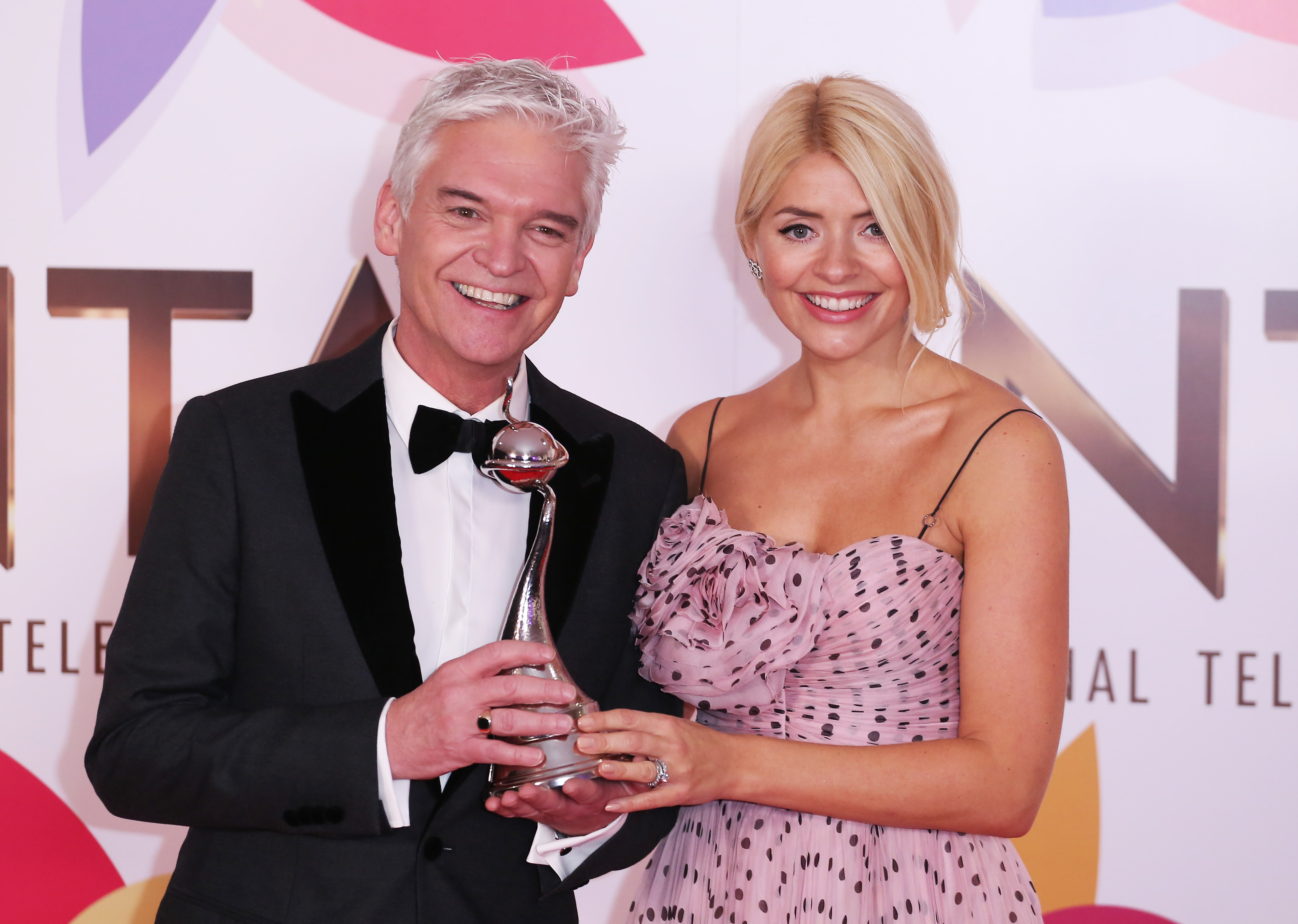 Holly Willoughby warns This Morning viewers she might still be a bit tipsy