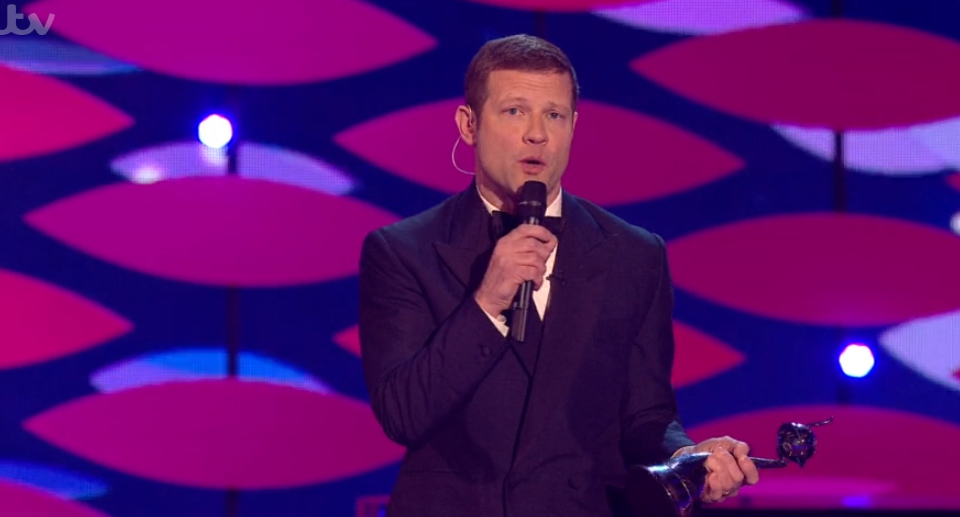Dermot O'Leary makes dig at Holly Willoughby during NTAs