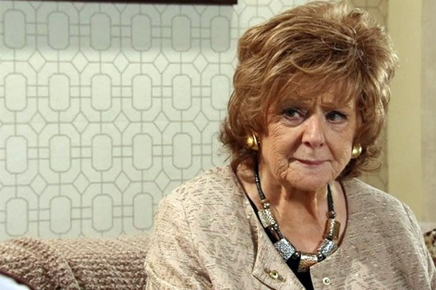 Coronation Street SPOILERS: Rita Tanner to be killed by a Christmas tree?