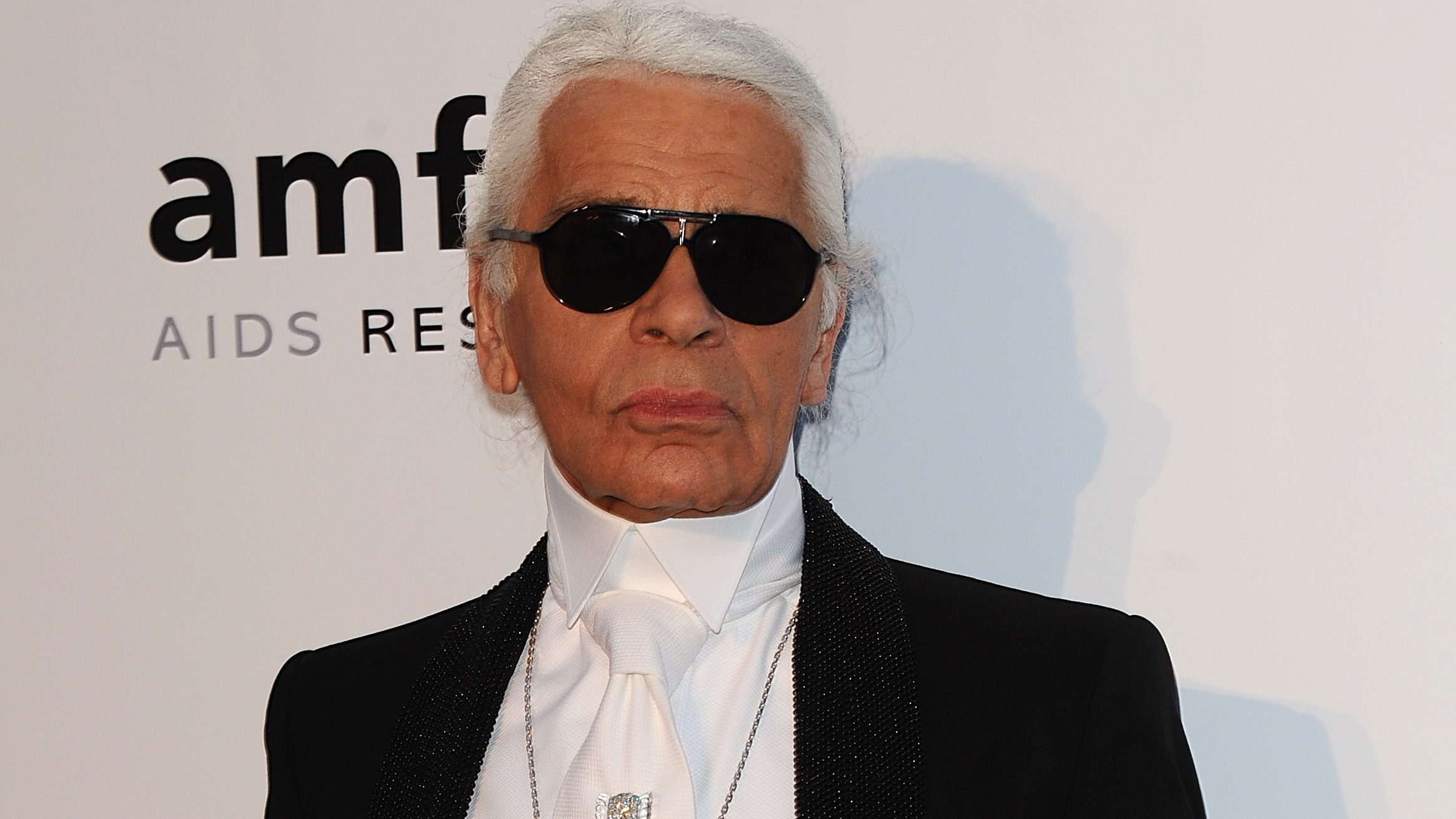 Iconic Chanel designer Karl Lagerfeld dies at the age of 85