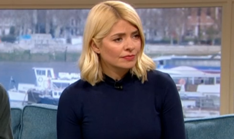 This Morning fans divided over Holly Willoughby's 'mismatched' outfit