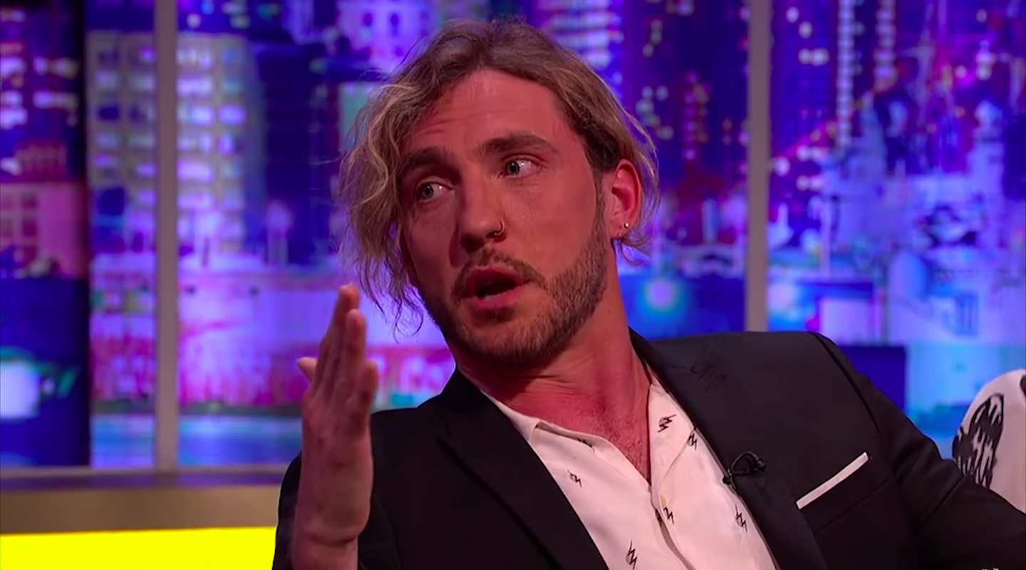 "Viewers slam Seann Walsh's ""horribly awkward"" apology on Jonathan Ross Show"