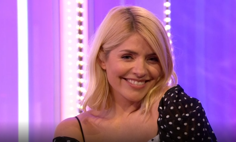 "Holly Willoughby shows off snaps from ""perfect holiday"" in the Maldives"