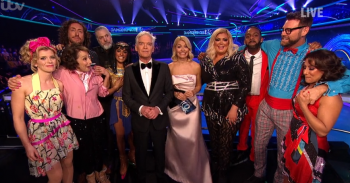 DOI contestants with Holly and Phil