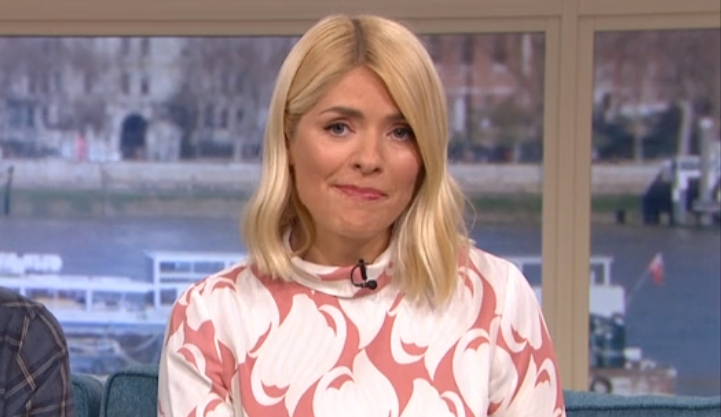 Holly Willoughby Divides Fans With This Morning Look Entertainment Daily