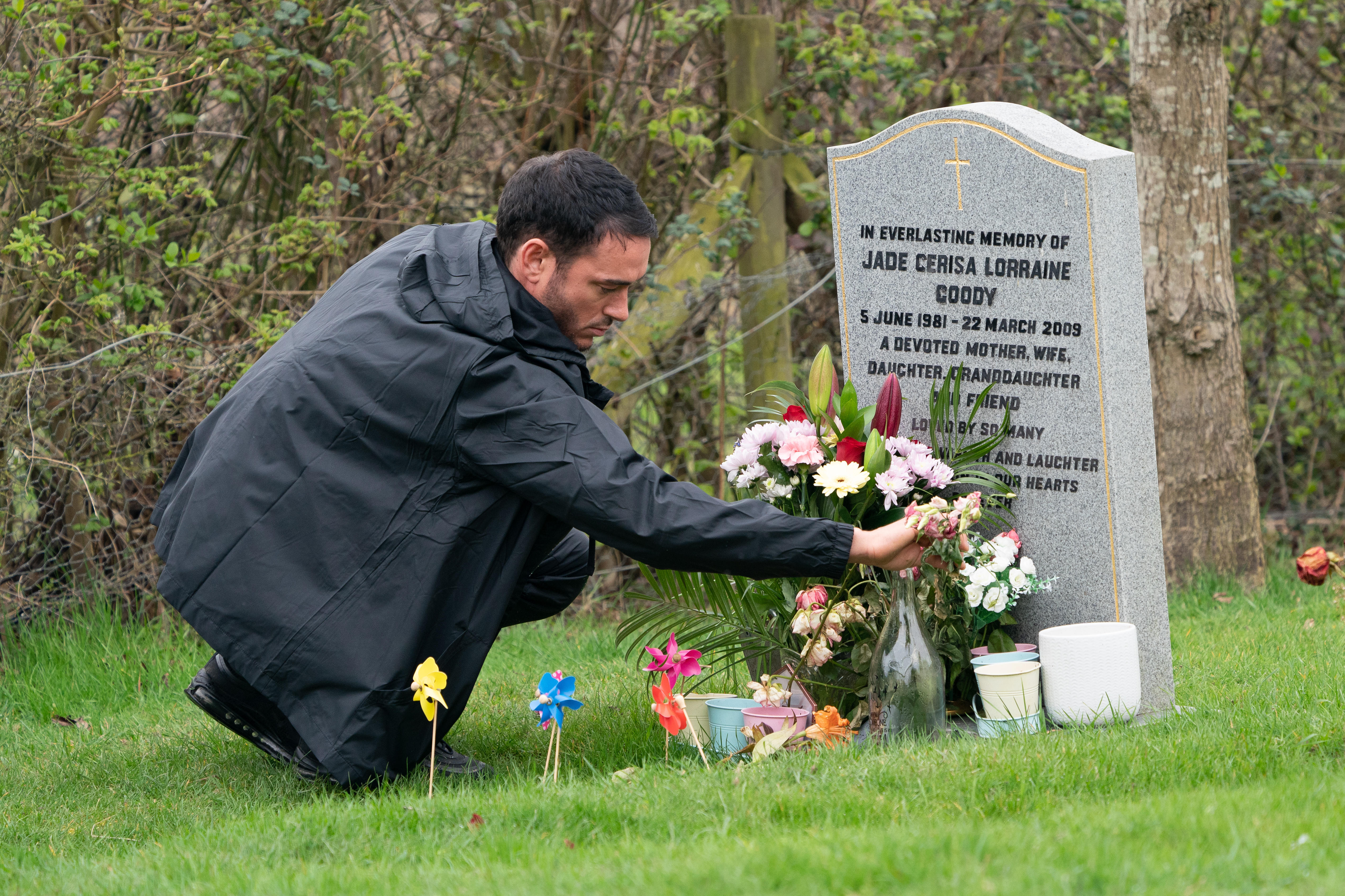 Jack Tweed Visits Jade Goody's Grave On The 10 Year Anniversary Of Her Death