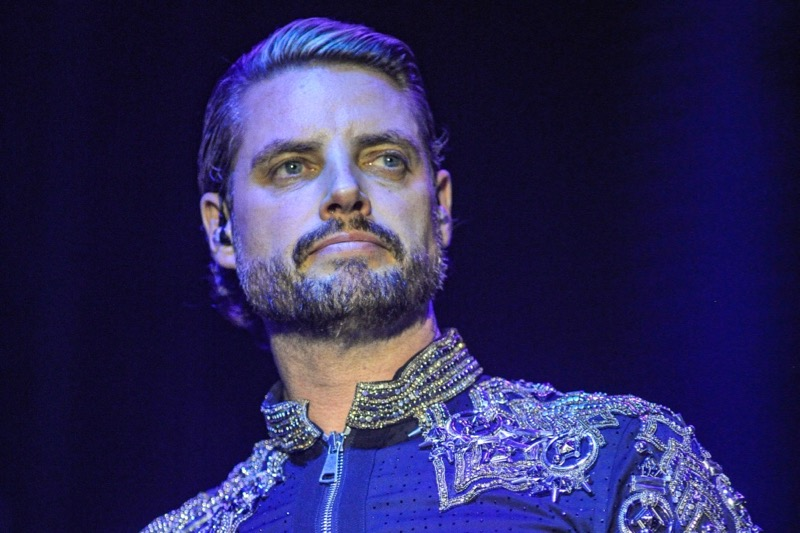 Keith Duffy takes to the stage with Boyzone after being hospitalised