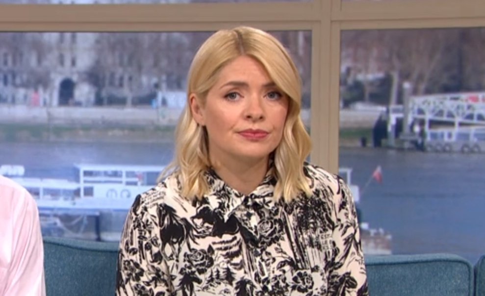Holly Willoughby slammed by fans for 'expensive' outfit on This Morning
