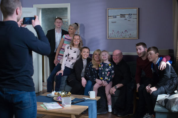 EastEnders fans baffled as Mitchells ignore major family member