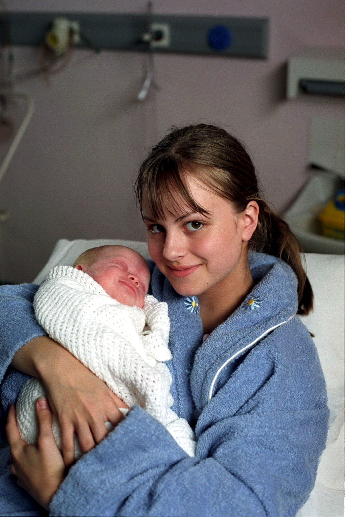 Editorial use only. Exclusive - Premium Rates Apply. Call your Account Manager for pricing. Mandatory Credit: Photo by ITV/REX/Shutterstock (673390kv) 'Coronation Street' TV - 2000 - Sarah Louise Platt (TINA O'BRIEN) and baby Bethany Platt [Amy & Emily Walton]. ITV ARCHIVE -