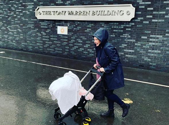 Jennie McAlpine with baby daughter