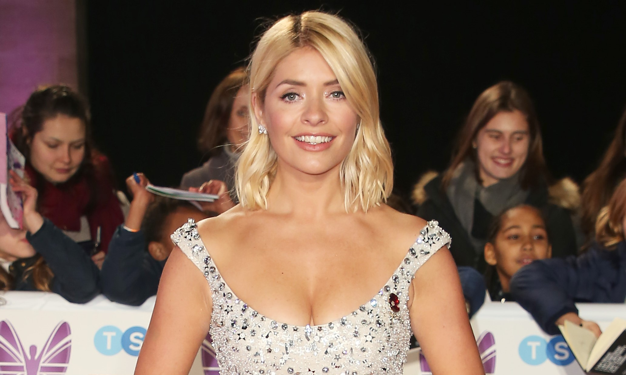 Holly Willoughby wishes mum happy 71st birthday and fans can't believe how young she looks