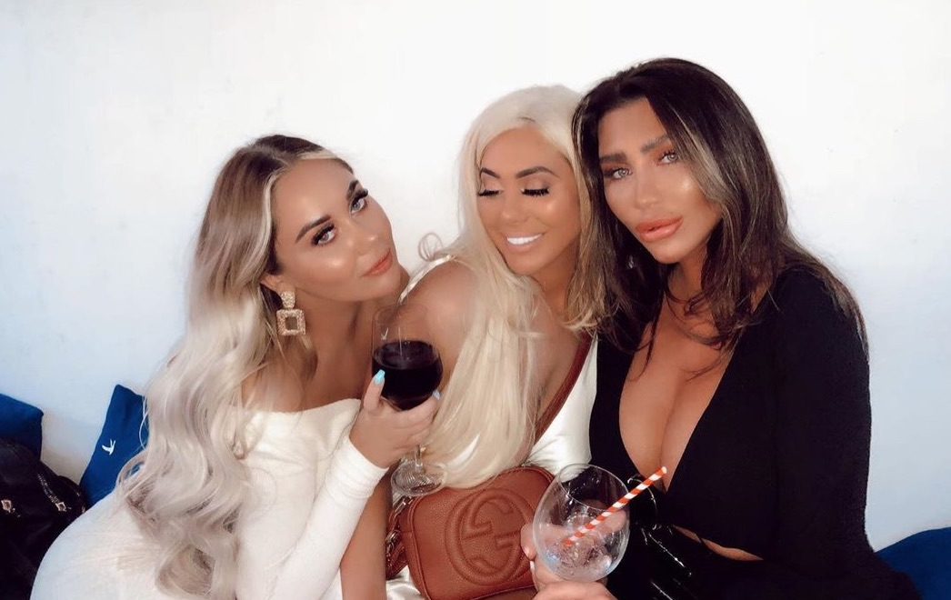Lauren Goodger 'unrecognisable' as fans beg her to stop treatments