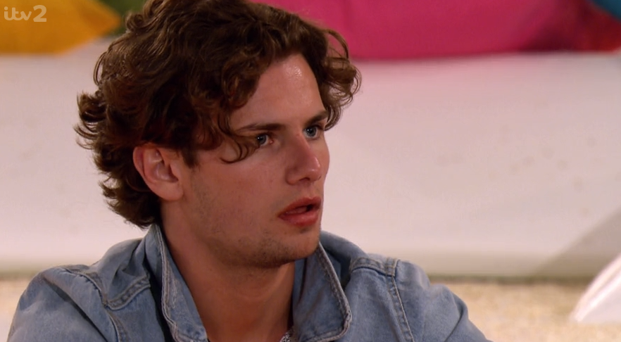 Love Island viewers slam 'creepy' Joe for being 'possessive' with Lucie days after meeting