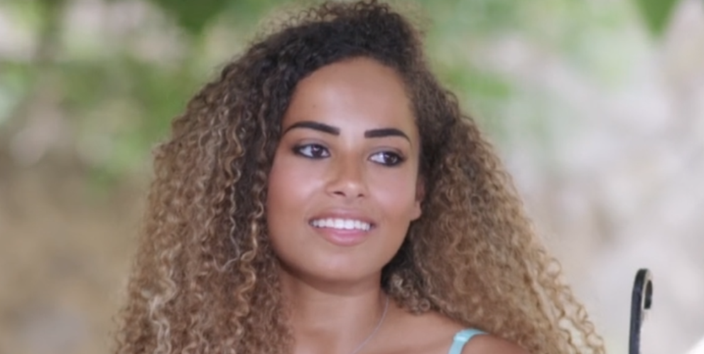 Love Island viewers slam 'fake' Amber for flirting with Michael behind Yewande's back